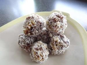 Abrikozen-notenballetjes