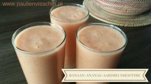 Banaan-ananas-aardbei smoothie